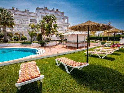 Las Rosas zonneweide zwembad Strandhuys Appartementen Nerja