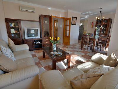 Villa vakantiehuis Jara Nerja Spanje woonkamer